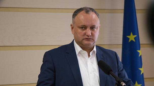 Молдавский премьер отказался отозвать посла вРумынии потребованию президента