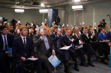 """Раскол в """"Оппозиционном блоке"""" отрицают, трения признают: как депутаты объясняют скандал дня"""