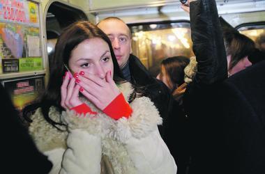 Detaljerna i tunnelbanestationer i Kiev: i tunnelbanan kallas orsaken till misslyckandet av tåg