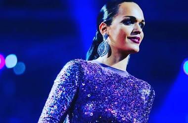 Немного эротики: певица Слава удивила пикантным селфи в бикини