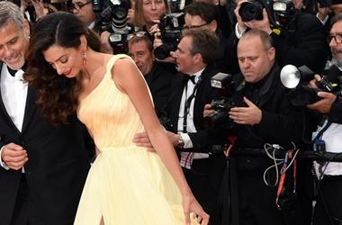 Джордж Клуни с женой приехал на Всемирный экономический форум в Давосе