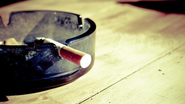 Мужчина курил в кровати, что и привело к пожару. Фото: pixabay.com