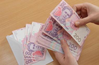 Что можно позволить на новую минимальную зарплату