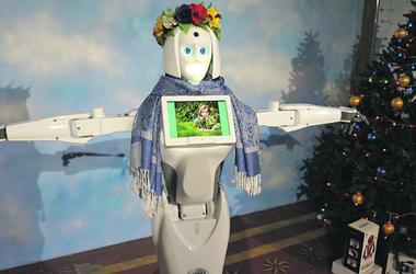 В Киеве показывают роботов, которые танцуют, поют, дерутся и рассказывают сказки