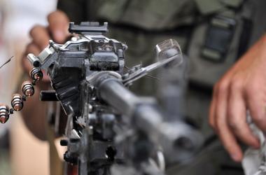 СБУ показала оставшиеся от диверсантов боевиков трофеи