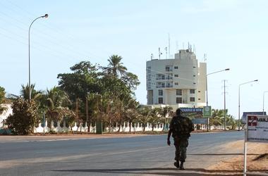 Украинцам посоветовали уезжать из Гамбии