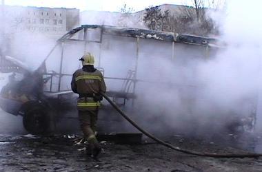 В Сумах дотла сгорела маршрутка