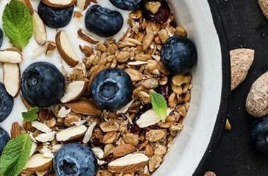Какие продукты следует употреблять ежедневно: совет диетолога