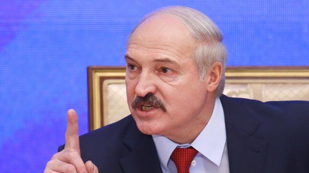Лукашенко поручил отыскать альтернативу русской нефти