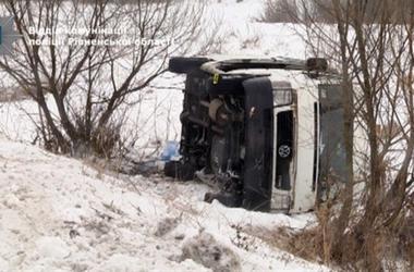 В Ровенской области авто с паломниками перевернулось на глазах у полицейских:  семь пострадавших