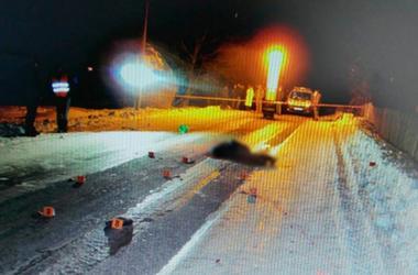 В Черновицкой области мужчина лег на дорогу и стал жертвой  ДТП