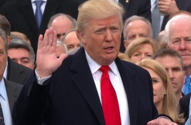 Трамп и Пенс присягнули американскому народу
