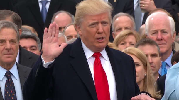 Дональд Трамп стал 45-м североамериканским президентом