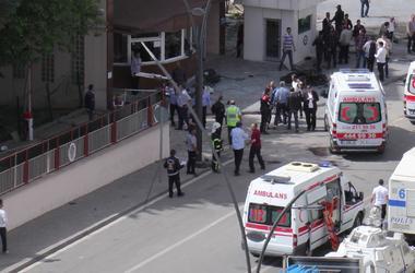 В Стамбуле в здание Управления безопасности выстрелили из гранатомета