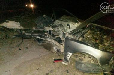 Смертельное ДТП в Мариуполе: от удара автомобиль с военными разорвало на куски