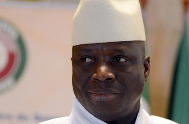 Экс-президент Гамбии уехал из страны, прихватив с собой более 11 млн долларов