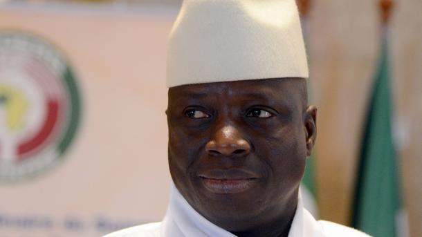 Прошлый президент Гамбии покинул страну