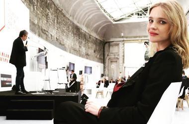 В одних украшениях: Наталья Водянова снялась полностью обнаженной