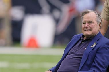 В Сети появилось первое фото Джорджа Буша-старшего из больницы