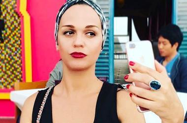 Певица Слава призналась, что поправилась и показала фигуру в бикини
