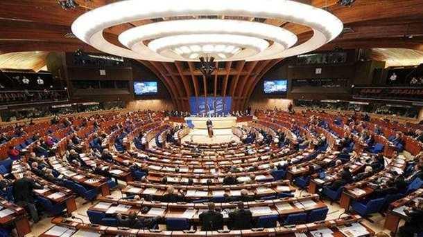 ПАСЕ приняла резолюцию стребованием от РФ освободить Сущенко иСенцова