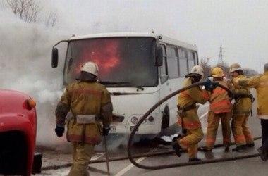 На трассе под Мелитополем сгорел пассажирский автобус