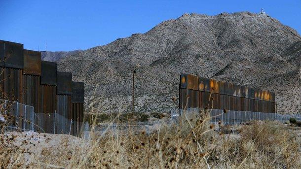 Возведение стены награнице сМексикой начнется немедленно— Трамп