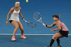 Чешско-американский дуэт выиграл Australian Open в парном разряде