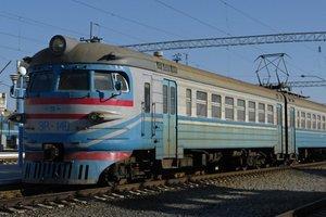 В Черниговской области столкнулись электричка и автомобиль: погибли два человека