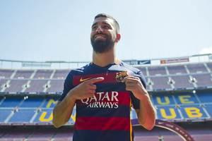 """Игроки """"Барселоны"""" устроили оригинальный спор на свою внешность"""