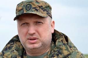 Турчинов рассказал, сколько силовиков предали Украину в Крыму