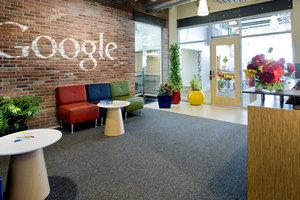 Google просит сотрудников срочно вернуться в США из-за указа Трампа