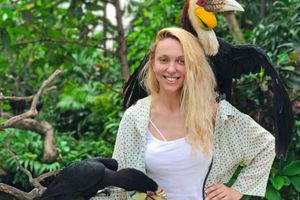 Перегрелась: Оля Полякова на Бали поразила селфи без бюстгальтера