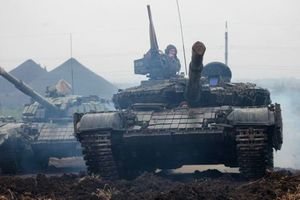 Массированный штурм Авдеевской промзоны: боевики пытаются захватить позиции ВСУ