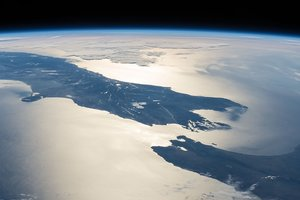"""В недрах Земли ученые нашли гигантскую """"водяную фабрику"""""""