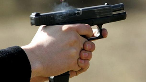 ВЗапорожье «ради забавы» обстреляли авто с сыном внутри