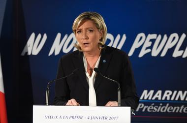 Соцопрос показал неутешительные перспективы для Ле Пен на президентских выборах во Франции