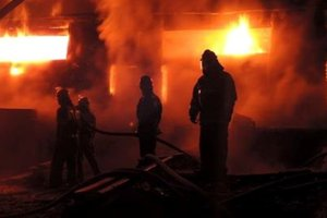 В жилом доме в центре Киева произошел пожар, два человека пострадали