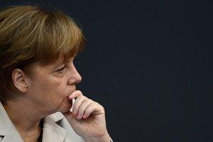 Ситуация на Донбассе обеспокоила Меркель