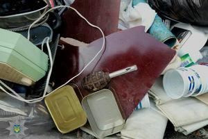 В Запорожье саперы подорвали мусорный бак с гранатой