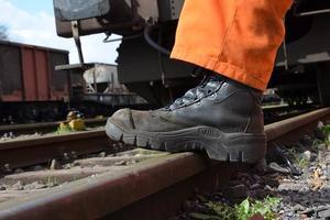 Под Харьковом поезд задавил работника депо