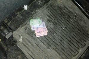 В Киеве пьяный водитель элитной иномарки пытался предложить взятку патрульным