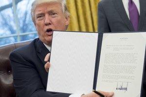 Прокурор штата Вашингтон подаст на Трампа в суд из-за указа о мигрантах