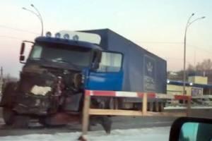 В Киеве на Столичном шоссе в ДТП погиб водитель легковушки