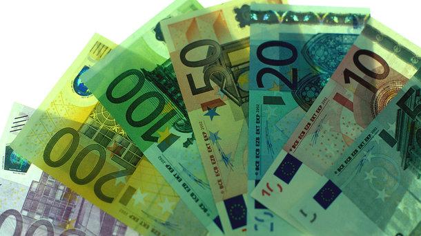 ЦБустановил курсы доллара иевро на31января