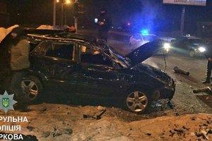 В Харькове автомойщики угнали машину и попали в ДТП