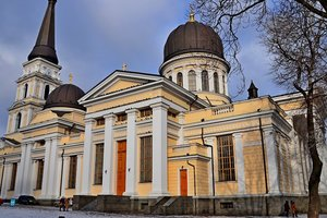 Одесские маршрутки сменят движения из-за святых мощей из Афона