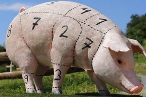 В Украине падают цены на свинину