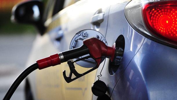 Украина поставляет неменее 80% бензина из Беларуссии - специалист
