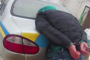 Во Львове с ножом напали на полицейского